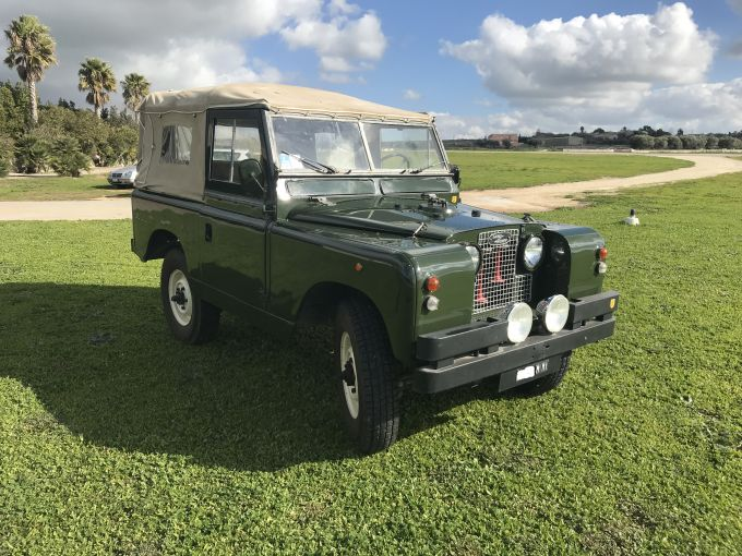 land-rover-series-ii-88-1.jpg